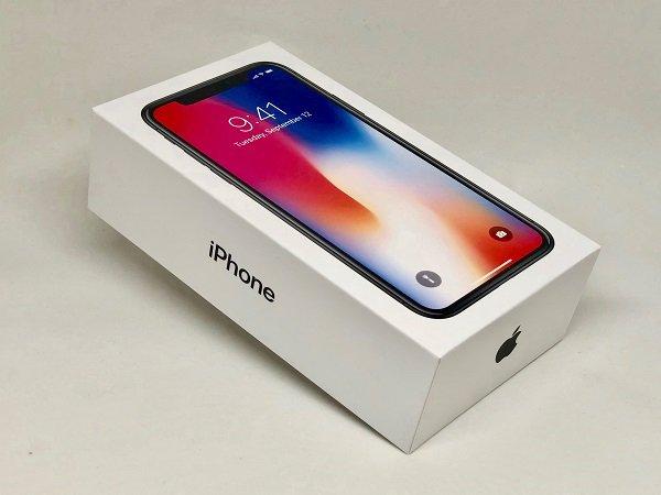 Apple market, Amazon market value, Apple 1 trillion, Amazon 1 trillion, Apple iPhone, Apple iPhone sales, Amazon shares, Amazon global sales, Amazon global market